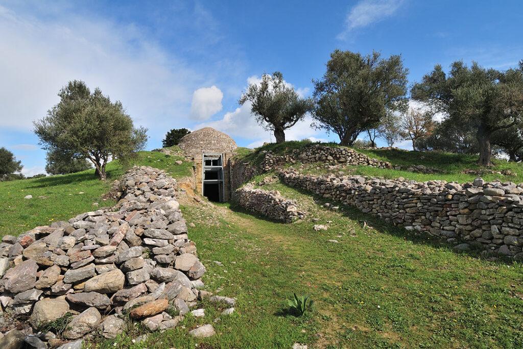 Peristeria Hill – Tholos Tombs